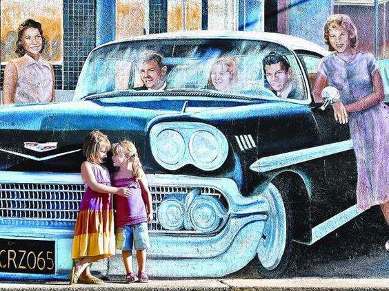 cruise-mural