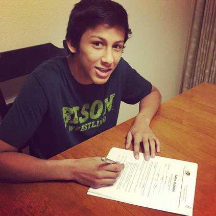 Nico signing