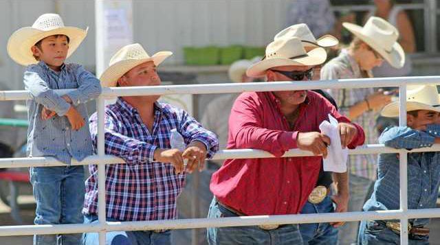 8-21 OAK JR Rodeo watchers