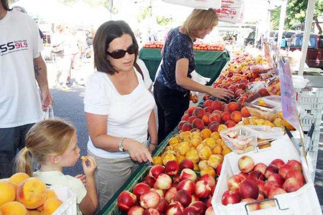 farmers market pic2