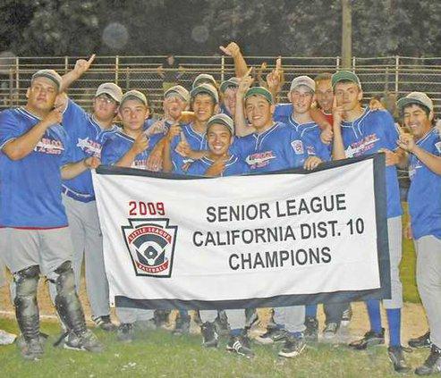 Seniors-little-league