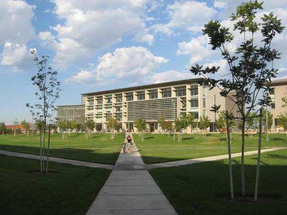 Campus92908 002