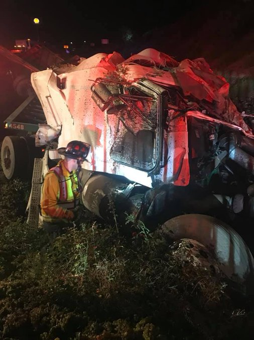 Truck Crashes On 99 Manteca Bulletin