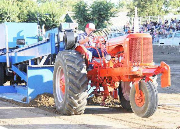 Tractor Pull pic1