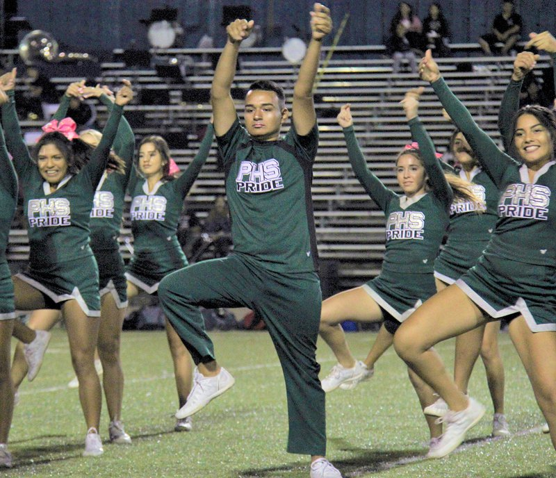 male cheerleaders2