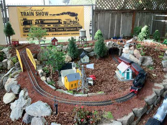 toy train pic