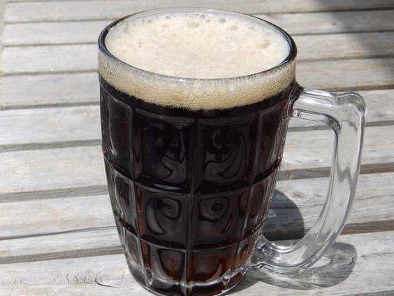 Root beer in glass mug