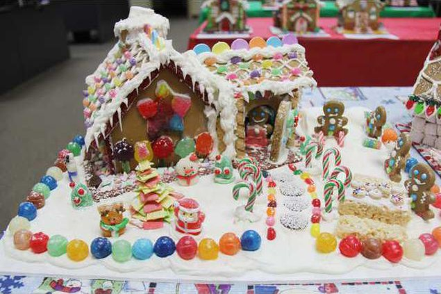 gingerbread house pic1