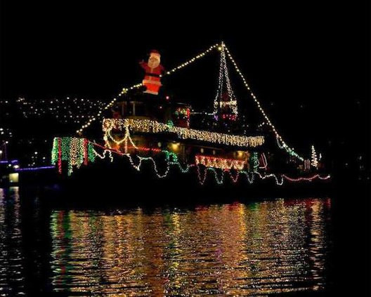 pic holiday lighted parade n