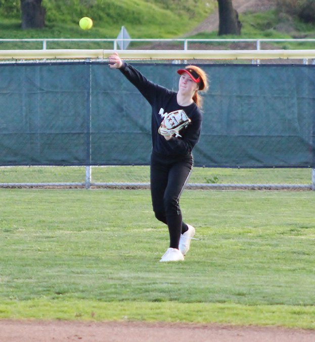 Scrimmages Start Campaigns For Mustang Spring Squads - Oakdale Leader