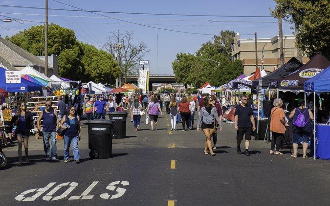 Street Faire crowd