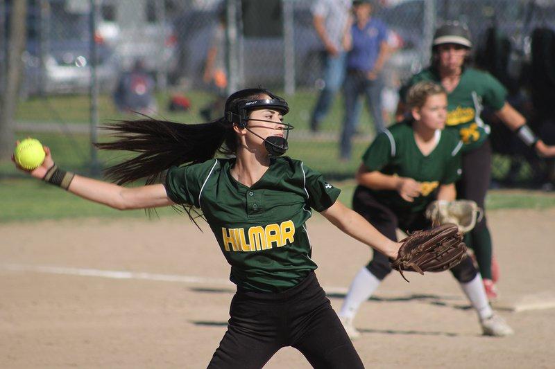 softball of year2