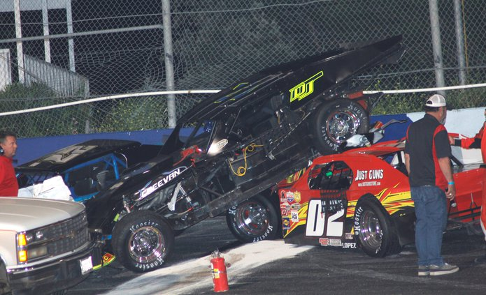 Modifieds Wreck