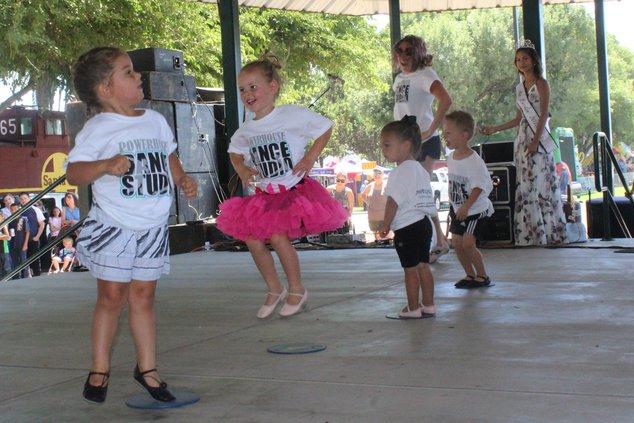 Park Fete Dancers